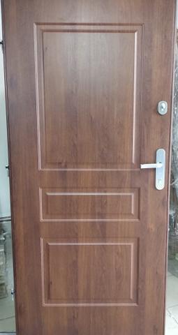 3 8 - Drzwi wejściowe do mieszkania: Gerda CX10 premium (Drzwi Lewe)