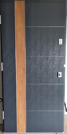 Drzwi wewnętrzne 208